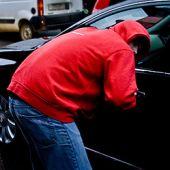 Участились кражи из автомобилей личных вещей