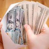 """Вопрос от Евгения Черняка: """"Бизнес-блогер зарабатывает $100 тыс в месяц?"""