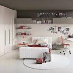 Бесцветная мебель в детской комнате — оригинально и со вкусом