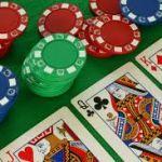 Как научиться играть в покер?