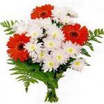 Купить букеты из свежих цветов можно без труда на сайте интернет-магазина
