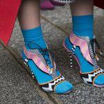 Прекрасная детская весенняя обувь и носки